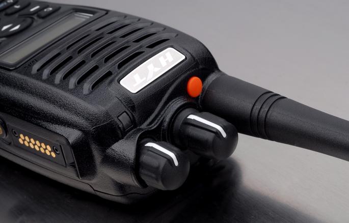 talkie-walkie-travailleur-isole-connexit